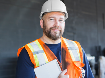 What are the benefits of a building and construction cert 4?