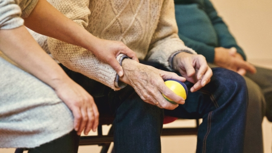 5 Reasons Why You Should Work In Aged Care